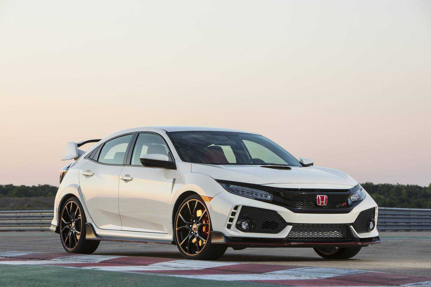 the 2017 honda civic type r breaks the front wheel drive. Black Bedroom Furniture Sets. Home Design Ideas