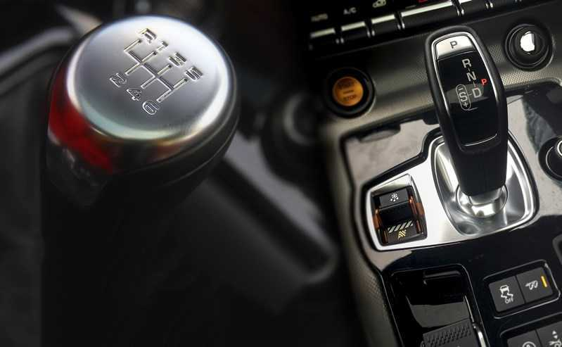 Manual Or Automatic Gearbox Which Is Best Autos Speed